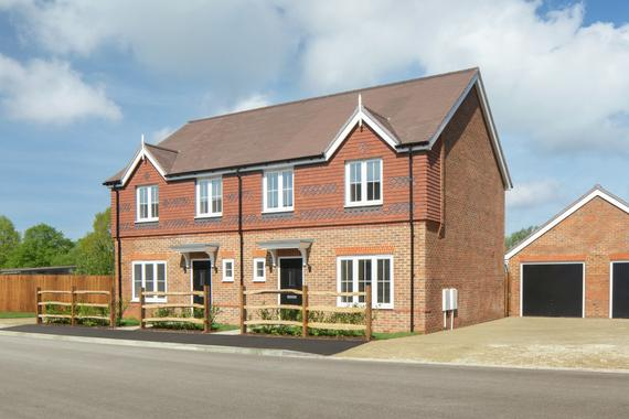 advanced-scaffolding-new-homes-at-greyshott