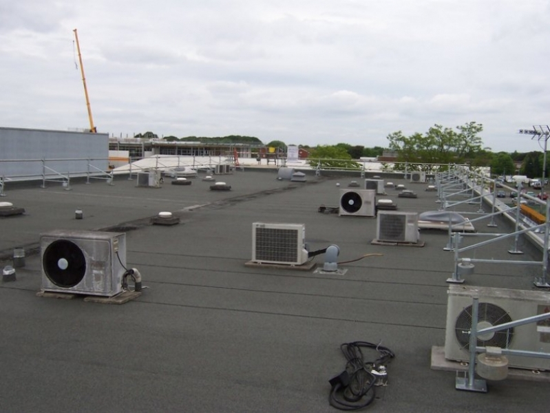 advanced-scaffolding-lBM-roof-restoration